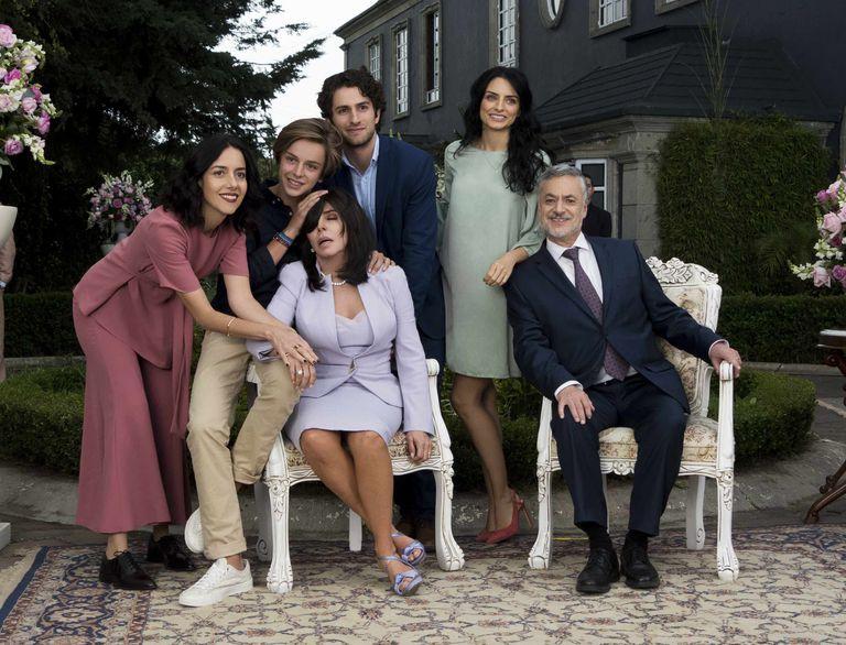 bed0b77e380 La segunda temporada de  La casa de las flores  se está rodando en Madrid