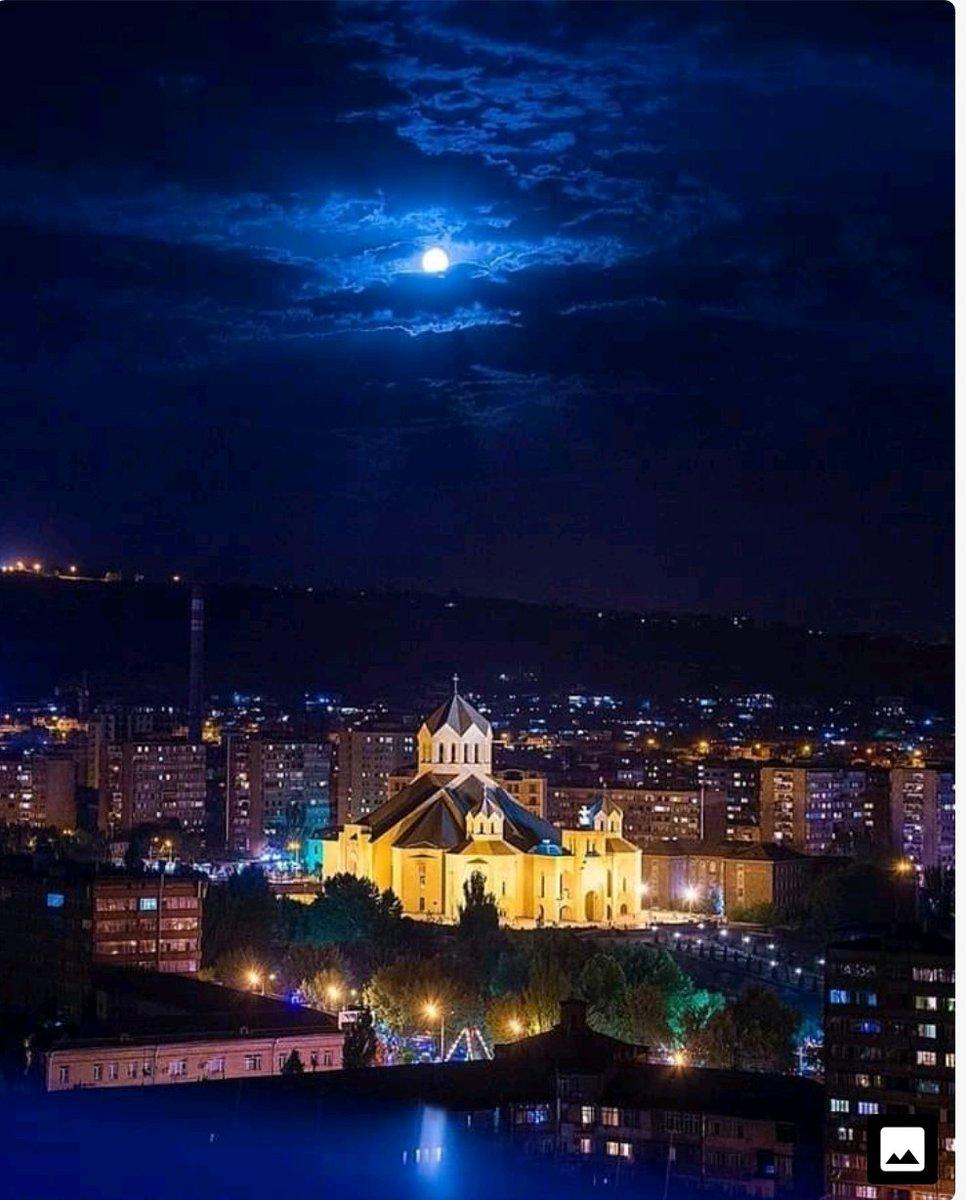 армения ночью фото иван