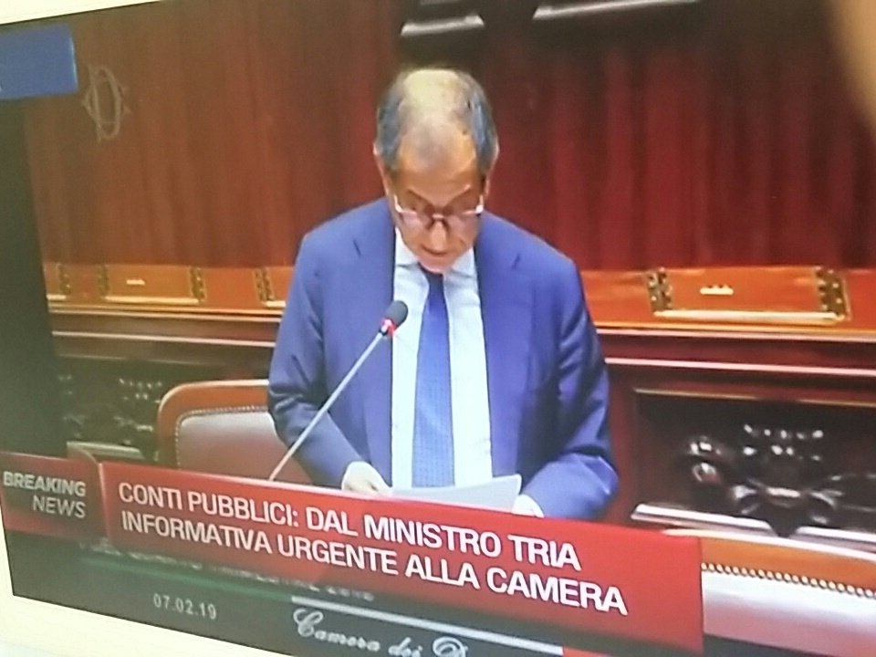 #PIL #Tria alla Camera su recessione. 'Solo battuta d'arresto' live streaming www. https://t.co/8Q5NNl0O5P