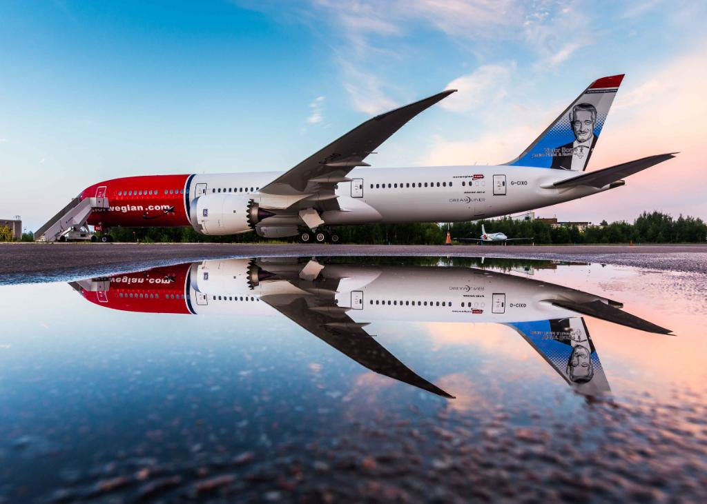 Boeing 787 DreamlinerPhoto: David Peacock