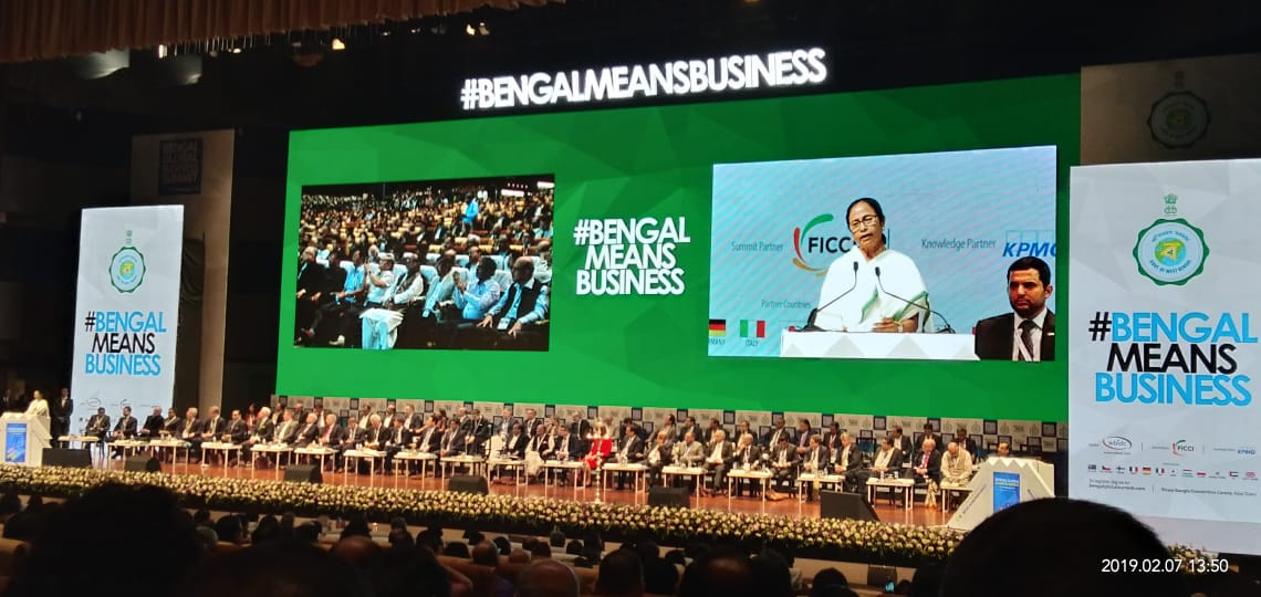 West Bengal Chief Minister Mamata Banerjee addresses the Bengal Global Business Summit 2019 #InauguralSession #Day1 #B2B #Networking #Bengal #ChiefMinisterWestBengal @MamataOfficial @BenCham1833 #Bengalmeansbusiness #BiswaBanglaConventionCentrepic.twitter.com/WmKdN435oT