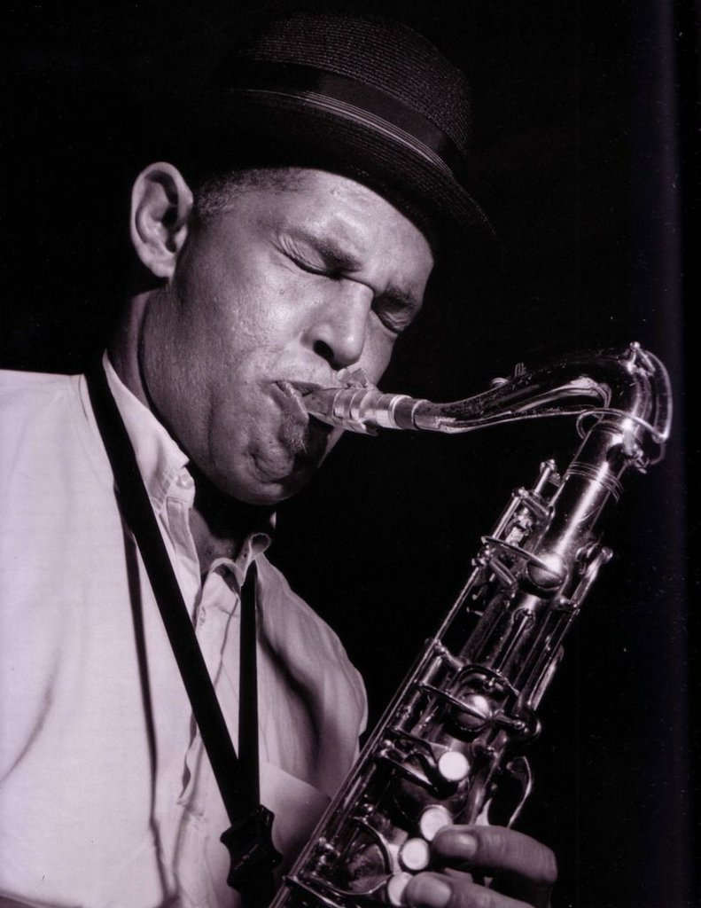 Dexter Gordon during his GO! recording session, Englewood Cliffs NJ, August 27, 1962 bluesketches.tumblr.com/post/178945897… via @BlueSktches Photo by Francis Wolff #Jazz #DexterGordon #BeBop #HardBop