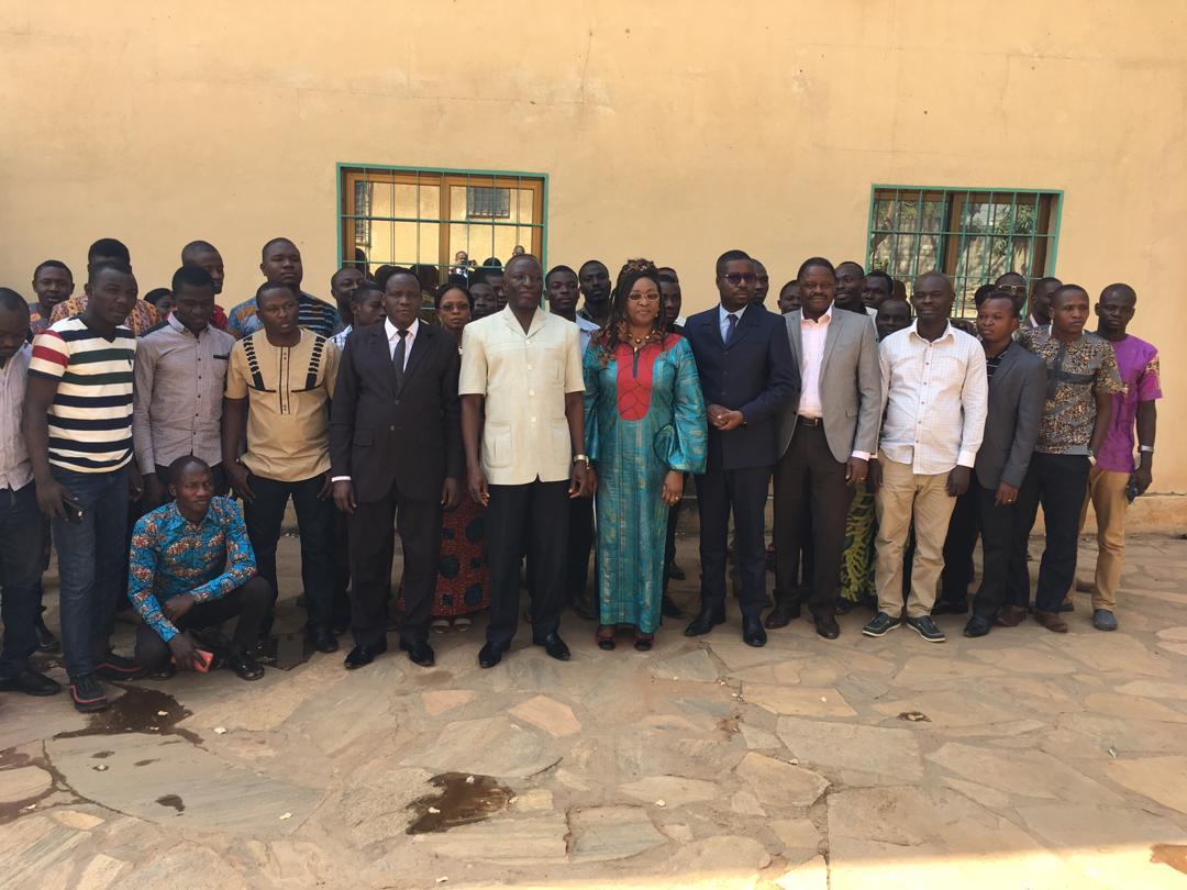 Nous étions à Kara pour entretenir la population entrepreneuriale sur le nouveau dispositif fiiscal en vigueur au Togo à travers le Mercredi de l'Entrepreneur qui a connu 80 participants. Merci au Préfet de la Kozah et au Président de la délégation spéciale de Kara.