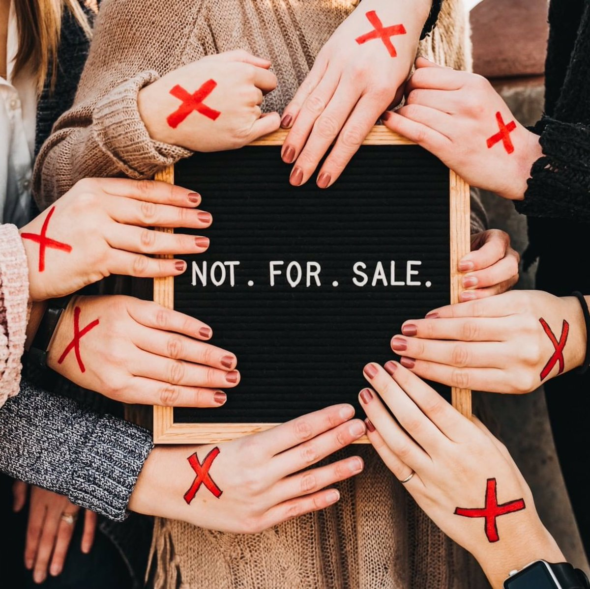 40 million people trapped in slavery. Nearly 1 in 4 victims is a child. Today we STAND for what's right until the number of men, women and children suffering in silence moves from 40 million to zero. RT if you are in it to END IT. ❌#enditmovement