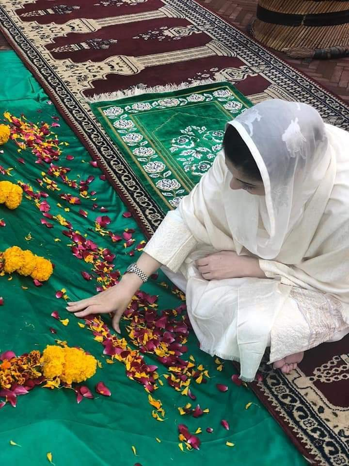 My mother thought me every thing expect how to live without her😔 @MaryamNSharif