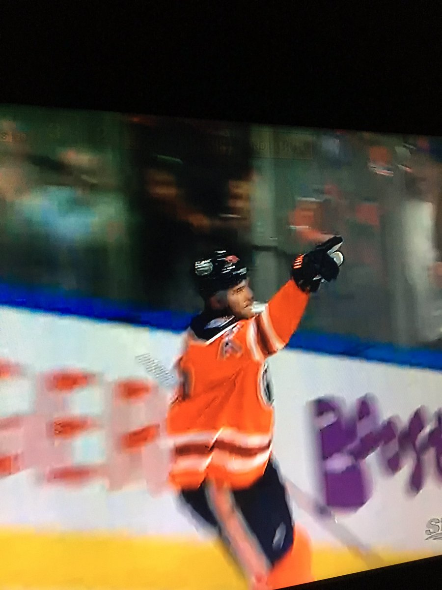 Klefbom ties the game and is going to Wrestlemania #everythingiswrestling<br>http://pic.twitter.com/VQEkFy0Qv4