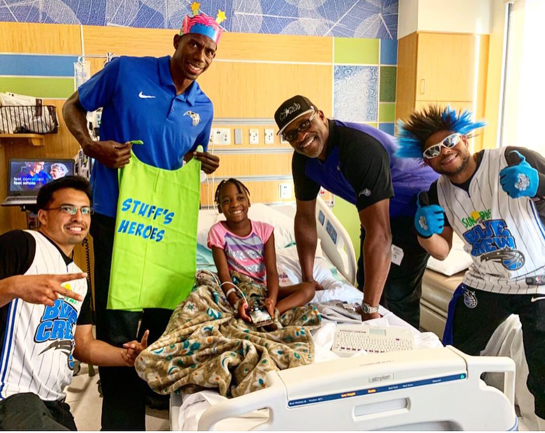 Spent the afternoon visiting our friends and @STUFFMagic heroes at @AdventHealthCFL 💙💚 #MagicCommunity #PureMagic #ThisisWhyWePlay #NBACares @nbacares @JerianGrant @MartinJarell