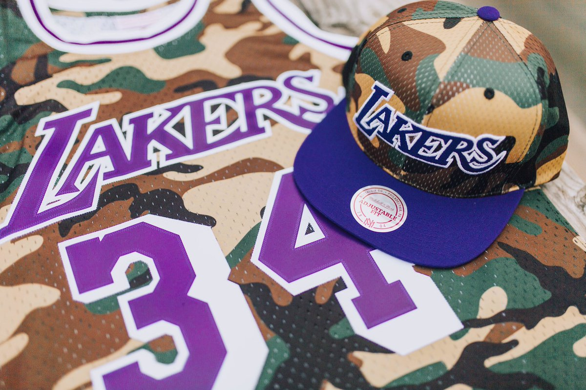 Head over and find your gear.pic.twitter.com hB28Txh9jy · Los Angeles Lakers  ... 28f08a0ea