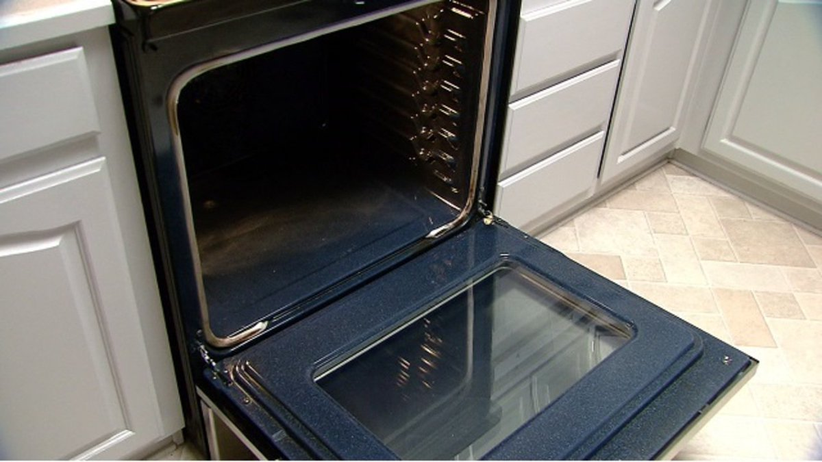 The saga of the self-cleaning oven too hot to use: Couple told by repairman to NOT use the self-cleaning feature because the oven would overheat  https://t.co/l7cBvIqf2A
