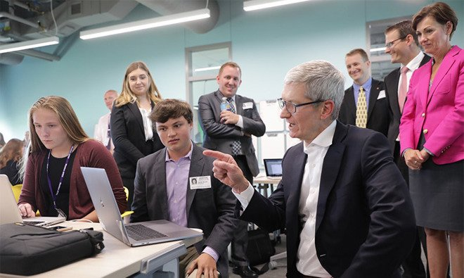 Tim Cook to deliver Stanford commencement address in June https://t.co/64IhlxkEn0