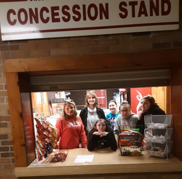 Thank you to our concession stand volunteers at tonight&#39;s basketball game!!! You ladies rock for stepping up last minute and helping out!!<br>http://pic.twitter.com/QfuPZs745T
