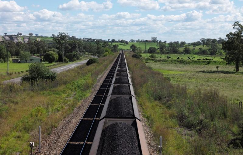 Australia seeks to reassure investors over coal ban at China port https://reut.rs/2E4zyiF