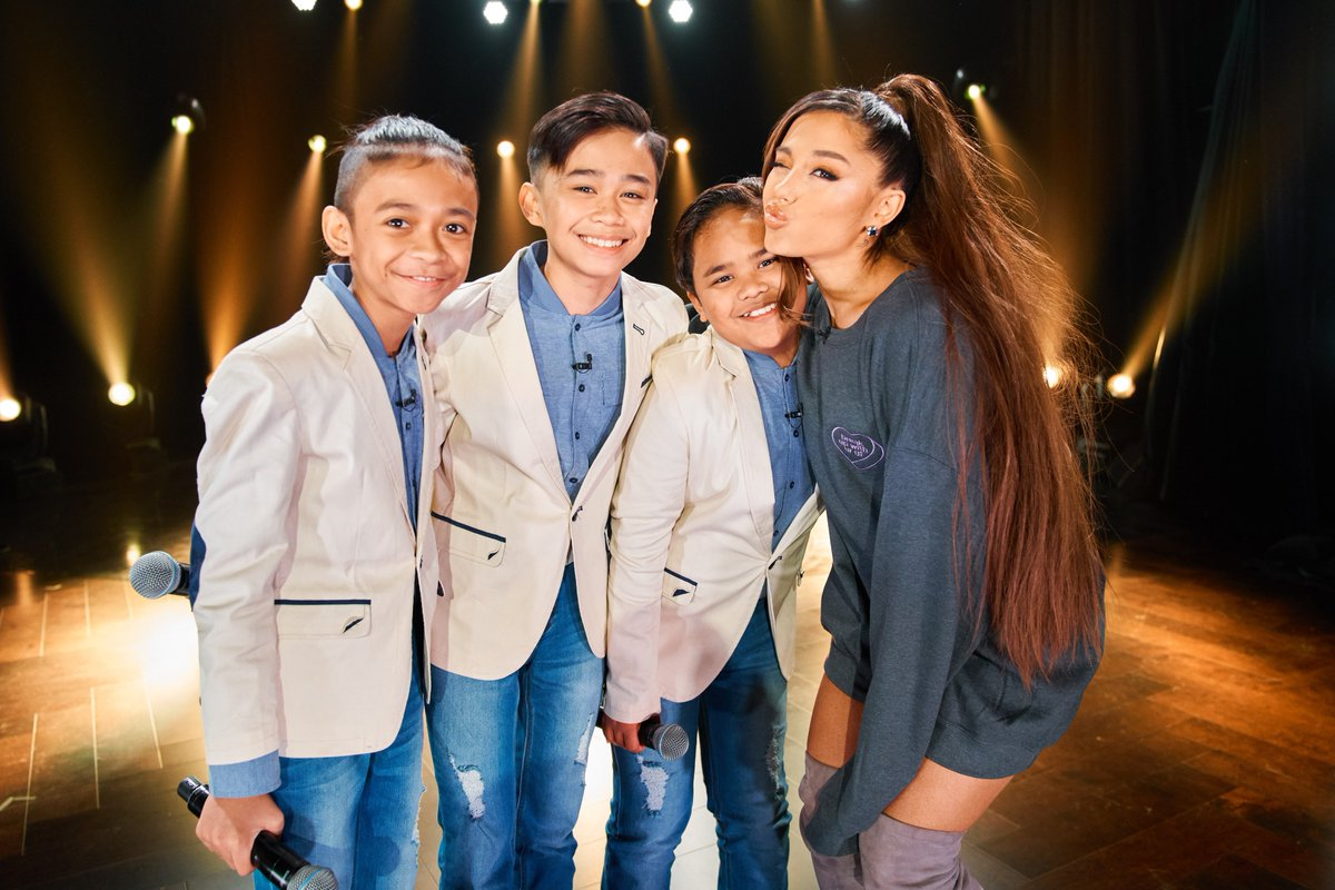 framing this photo of @TheTNTBoys & @ArianaGrande.