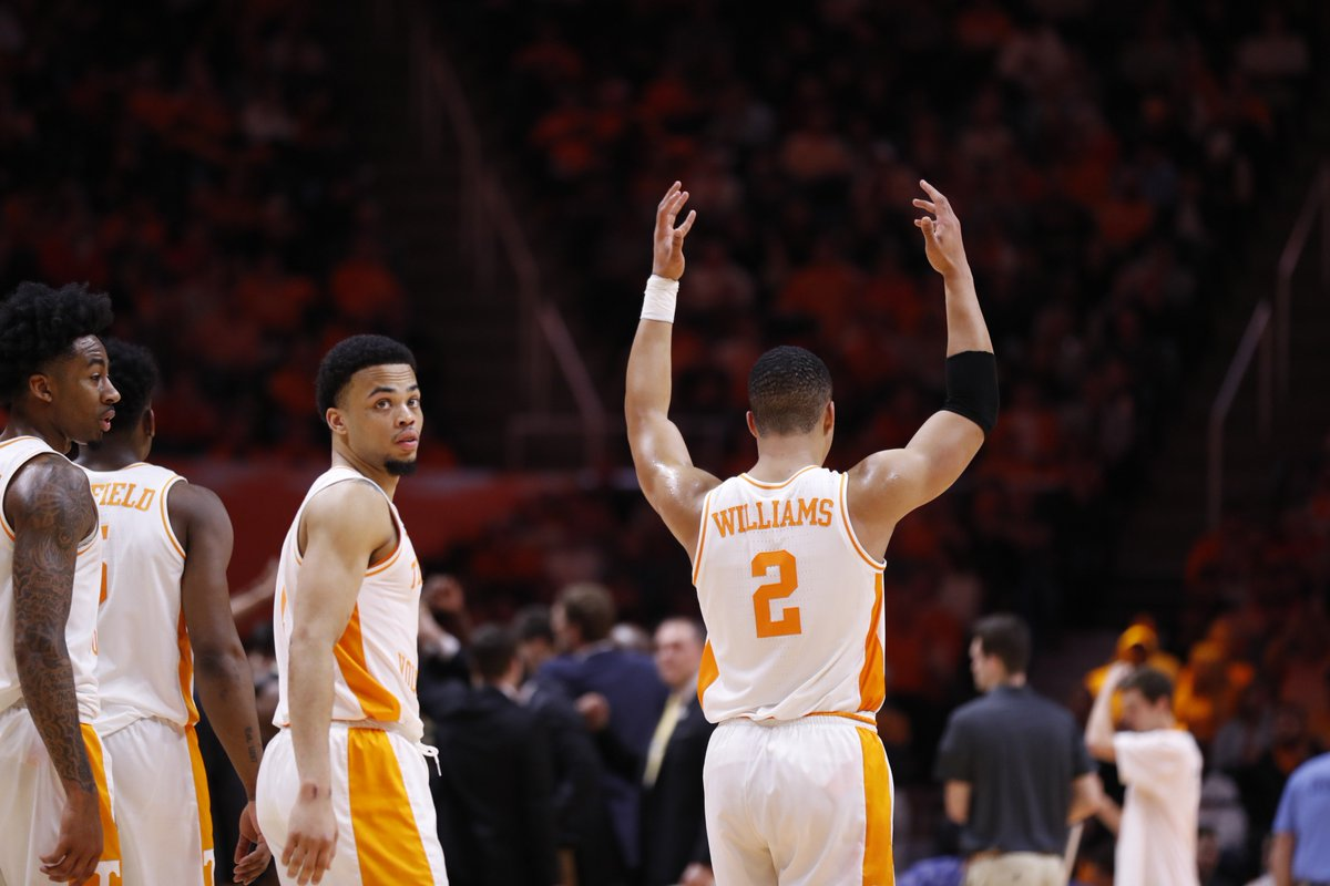 #Vols 51, Vanderbilt 44 | 2H, 3:49 Vanderbilt has strung together a 6-0 run to make it a seven-point game. @LTurn1 and @GrWill2 have 12 points each to lead the Vols. Tennessee has maintained the edge in rebounding and points in the paint.