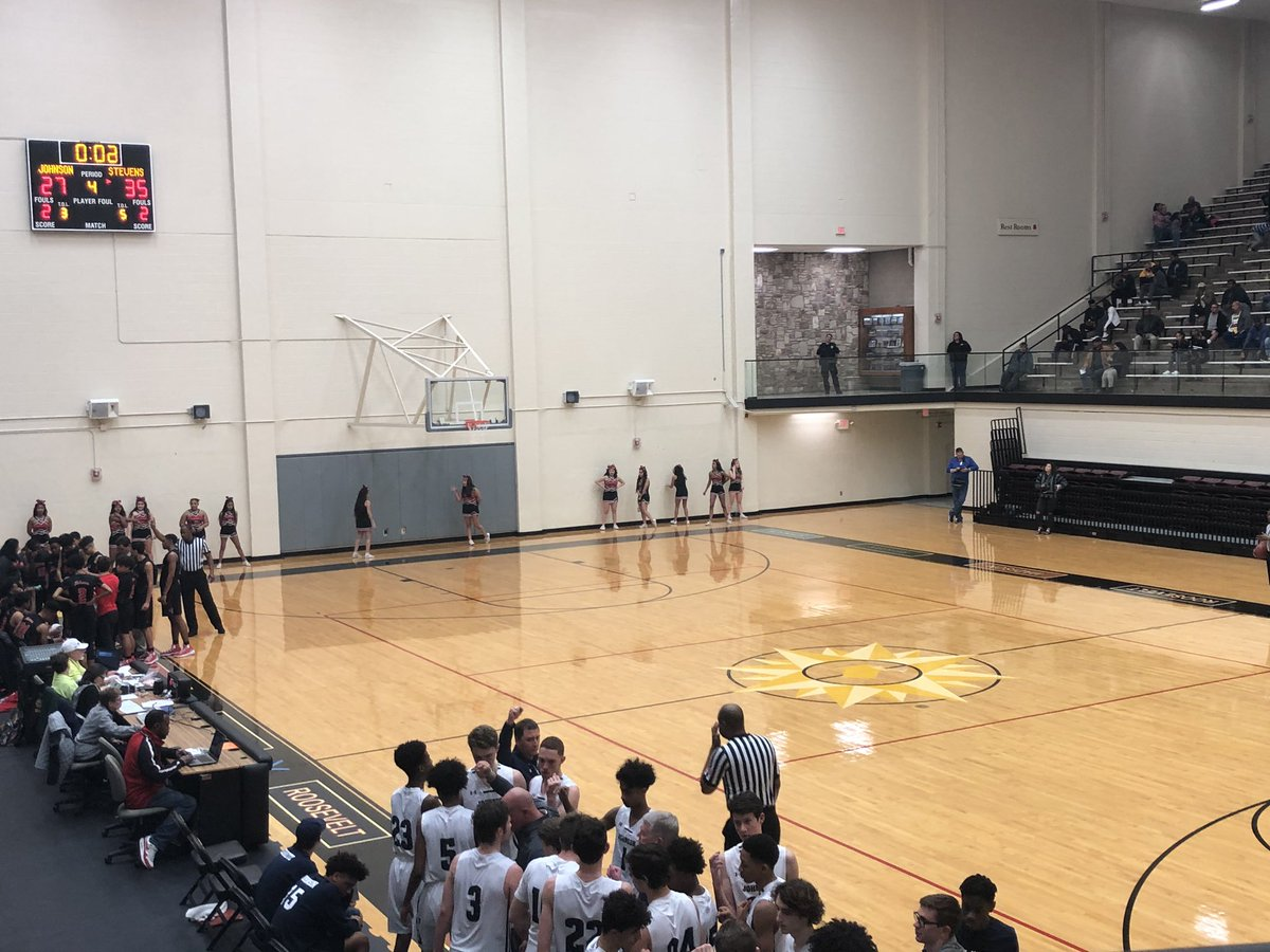 🚨6A Bi-District Round🚨 End of the 3rd Johnson @jjnation 27 @Falcon_Hoops 35 #AlamoCityHoops #txhshoops