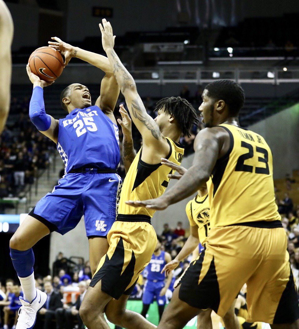 Kentucky wildcat basketball loves dick — photo 2