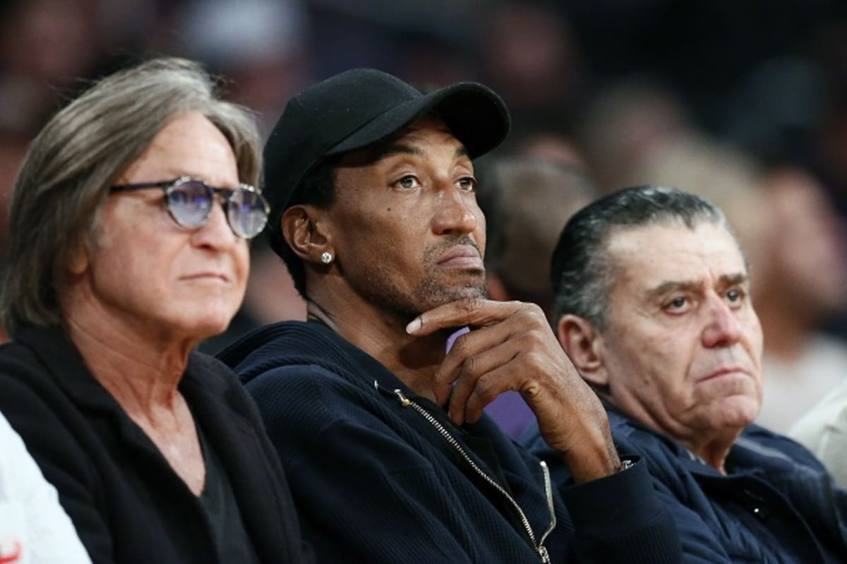 Scottie Pippen thinks Phil Jackson could win championship with current Lakers: https://trib.al/JjH7d7B