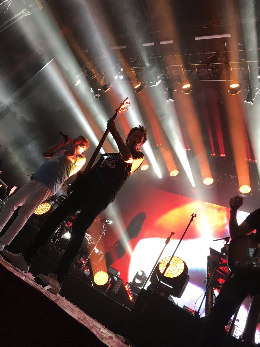 Could it be the whole earth opening wide #duranlive