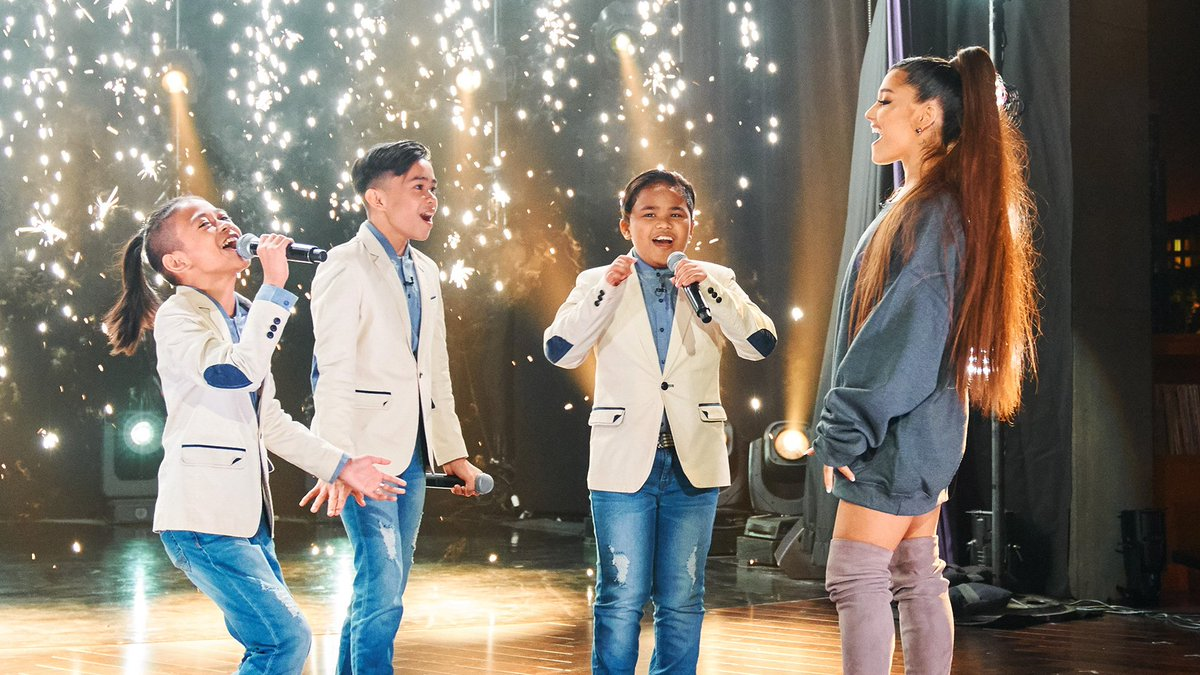 .@TheTNTBoys from @WorldsBestCBS are HUGE @ArianaGrande fans. So, naturally we had to surprise them mid-performance with none other than Ariana herself!