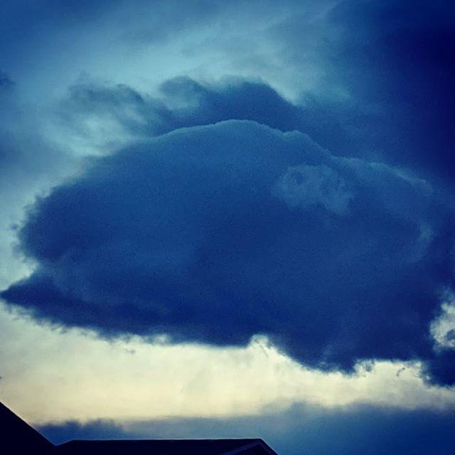Fluffy little clouds.  #nature #naturephotography #landscape #landscapephotography #weather #weatherphotography #clouds #cloudphotography #cowx #colorado  #skyphotography #sky #sunset #sunsetphotography https://ift.tt/2SKaGXT