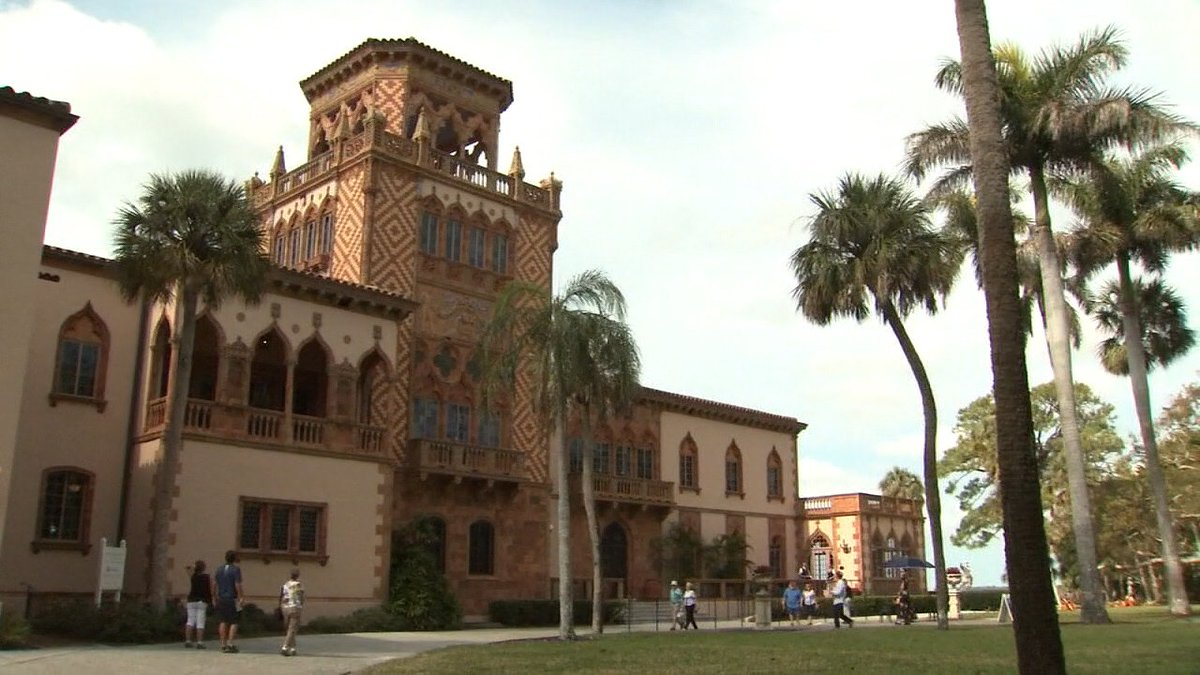 Inside Sarasota's Ca' d'Zan is an architectural masterpiece, and a great love story. Anyone can take a tour of this massive castle, which was once the winter home for the Ringlings. A 'One Tank Trip' by @LauraMoodyFox13:  https://t.co/E1wSSy5Z2W