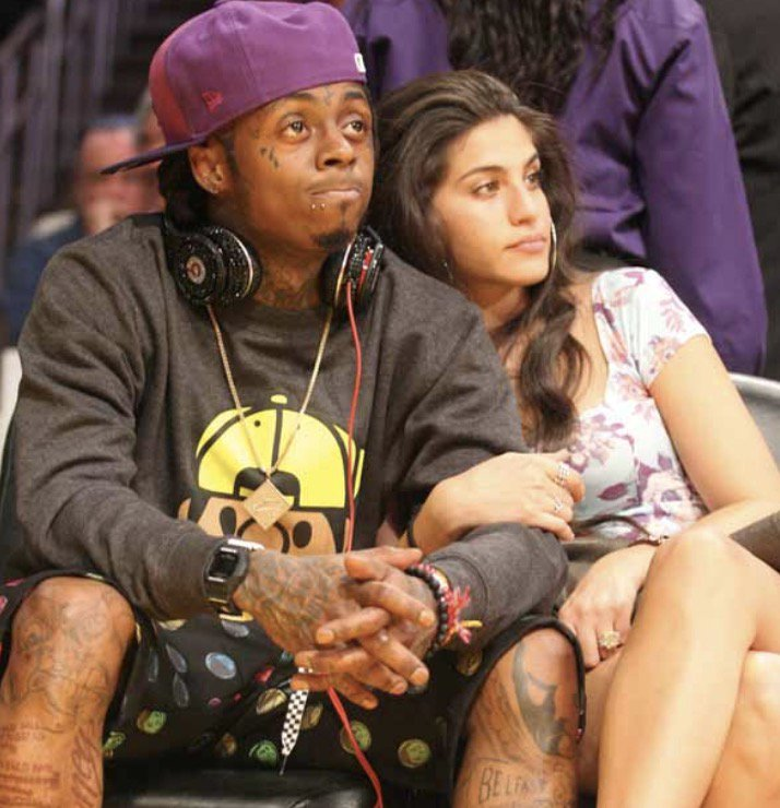 Lil Wayne's 7-Year Fiancee & Main Chick Has a Message For All His Side Chicks, She Goes on IG To Specify What Their Roles Should Be; Takes Aim at One of Wayne's Artists She Claims He's Cheating WIth (Pics-Vids-IG) http://bit.ly/2SWNQM3