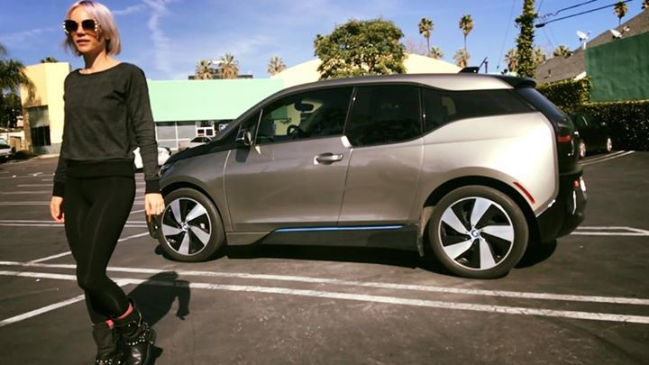 More gas stations closed in my hood. That leaves just 2 fuel stations within 1 mile radius of my #LosAngeles home, but 16 #electriccar charging stations (& hundreds of thousands of 110 outlets). #bmwi3 #ev #alternativefuel https://www.facebook.com/brutallyelegant/photos/a.481367998544999/2517194574962321/?type=3…