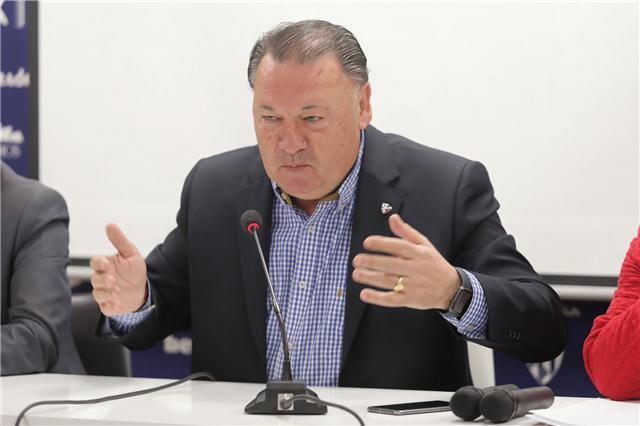 El presidente del Huesca, Agustín Lasaosa, manda un mensaje de tranquilidad https://bit.ly/2Ek9ZLV @SDHuesca @alcorazados @SDHuescaFem @VamosHuesca @FenomenosOsc @frenteserrables @AthleticClub #HuescaAthletic