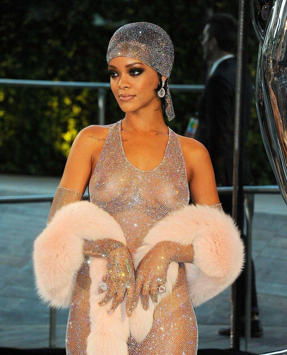 Happy Birthday @Rihanna! 🎉🎉🎉