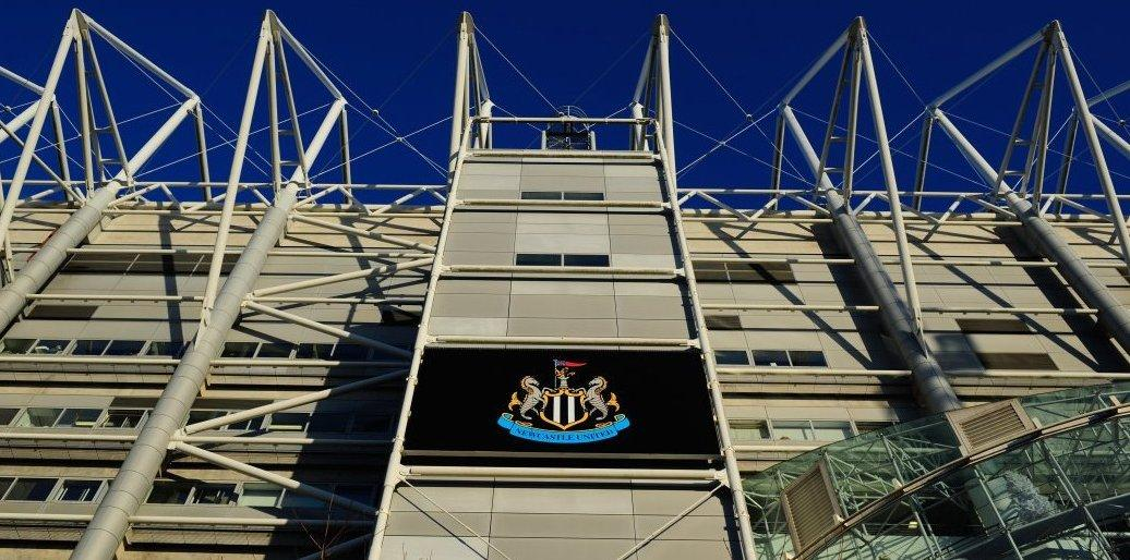 The Premier League grounds have been ranked in order of best atmosphere.  1-10:  1. St. James' Park 2. Anfield  3. Selhurst Park 4. Amex 5. Stamford Bridge 6. St Mary's 7. Molineux 8. The John Smith's Stadium 9. Craven Cottage 10. King Power Stadium