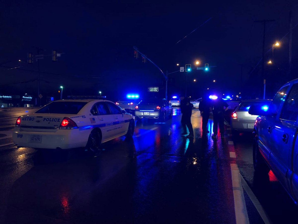 Suspects arrested after shots fired in midtown earlier this morning:  https://t.co/kkTH8Blrvr FOX 17 This Morning is LIVE from 4-9am.