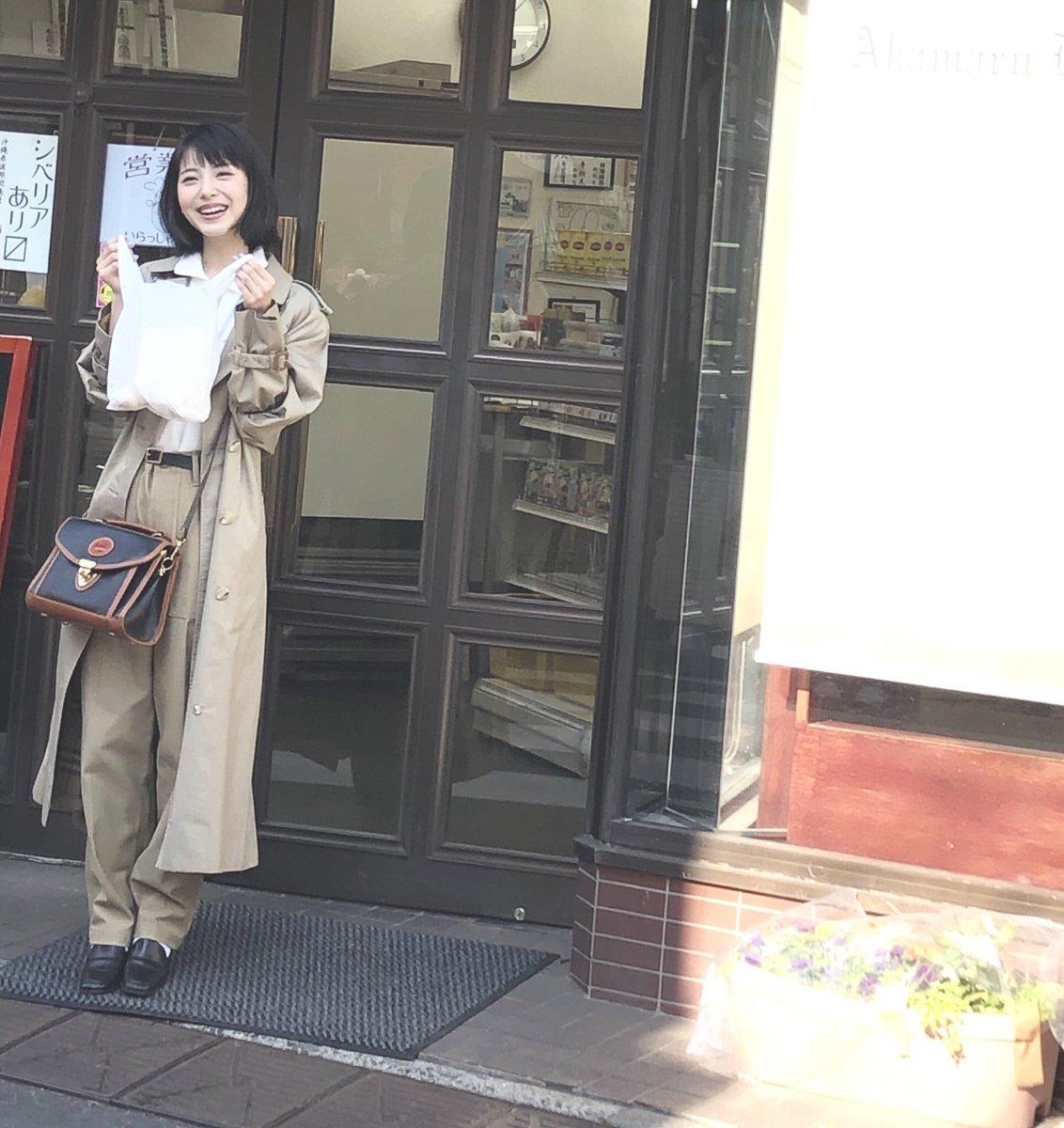 浜辺美波さんの投稿画像