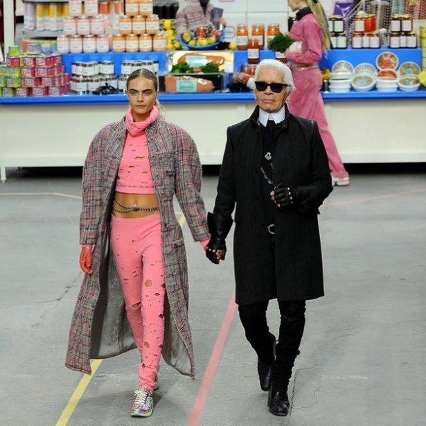 H💖💖DMORNING! It hasn't quite sunk in for me that Karl isn't here anymore. I guess when life gives us such incredible, creative souls to inspire us, it feels like they will be there forever, but it ain't so as we are all human and thus not eternal bei… https://ift.tt/2U0Mflu