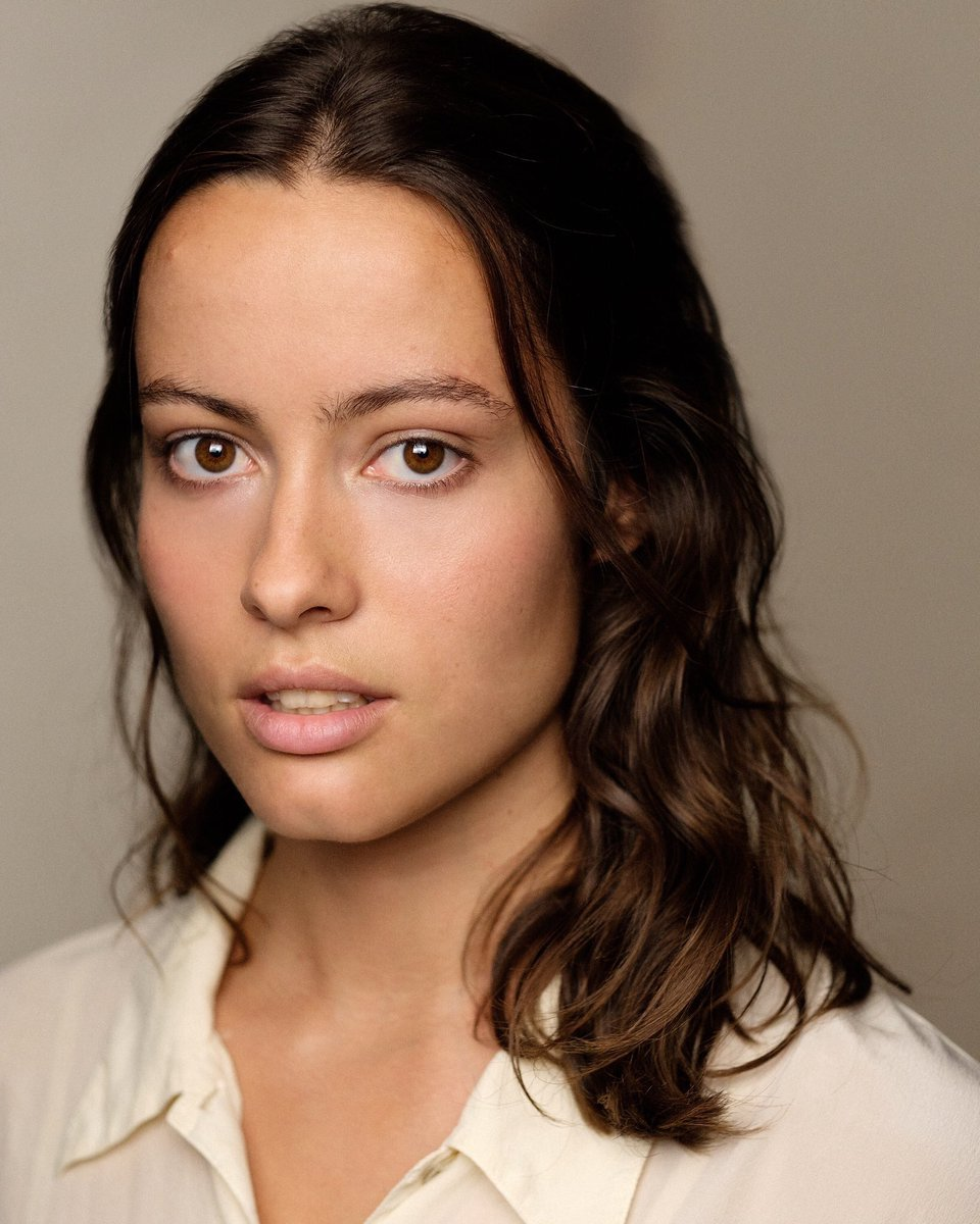 Playing the gossip queen Eileena, the secretive Silas and various others, we have our lovely @AnaBenham!