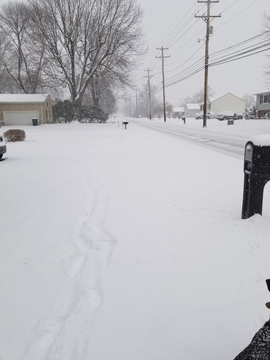 Roads in Thurmont, MD @ 10 am. #WUSA9Weather <br>http://pic.twitter.com/wBGFBfMjXJ