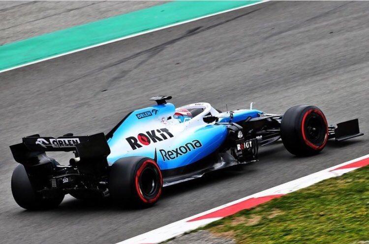 El equipo Williams sale a pista para los testing del FW42 en Barcelona España 🇪🇸 #F1Testing #F12019. Foto 📸: #WilliamsRacing 🏎