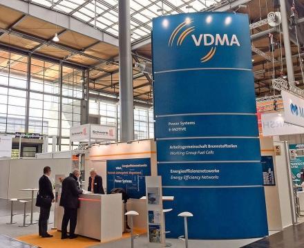 Der Kompetenz-Check #Industrie 4.0 des #VDMA ist online. Der Check gehört zu einer Studie, die auf einer Online-Erhebung basiert. Der Fokus liegt auf den notwendigen Kompetenzen für Industrie 4.0. Artikel: https://t.co/m2cqoQhGYI Tickets: https://t.co/vW8mZDr5ma #HM19 #VFV19