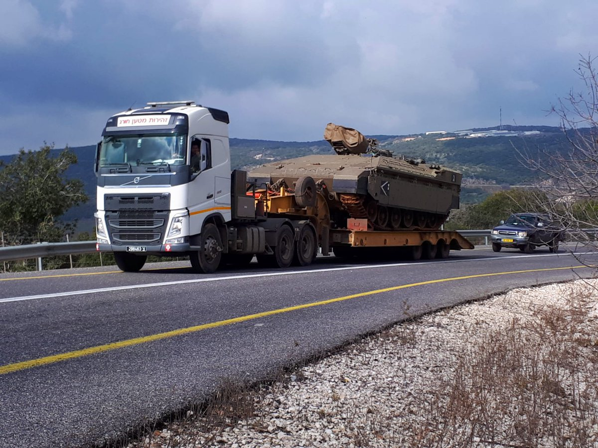 Tanks seen being transported to #Israel's northern border (Pic Credit: @ndvori) #Syria #Lebanon #Hezbollah