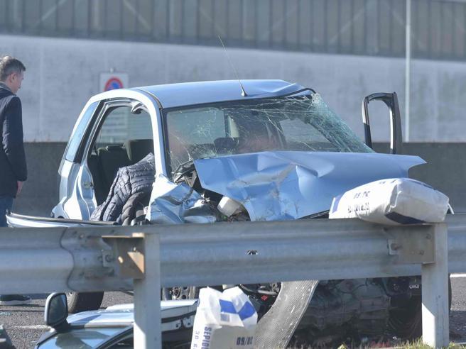 Omicidio stradale: ok a pene più severe, revoca patente solo per alcol o droga https://t.co/hZuYQuIeOK