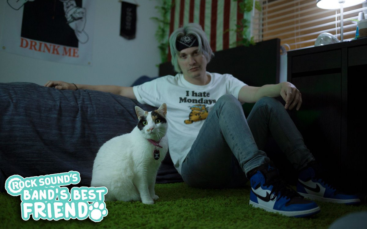 Okay so today is #LoveYourPetDay, and you know who loves his pet more than anyone? @MaxxSIO. He loves Pistol so much we wrote a feature on the two of them last year http://bit.ly/2lGOcnw