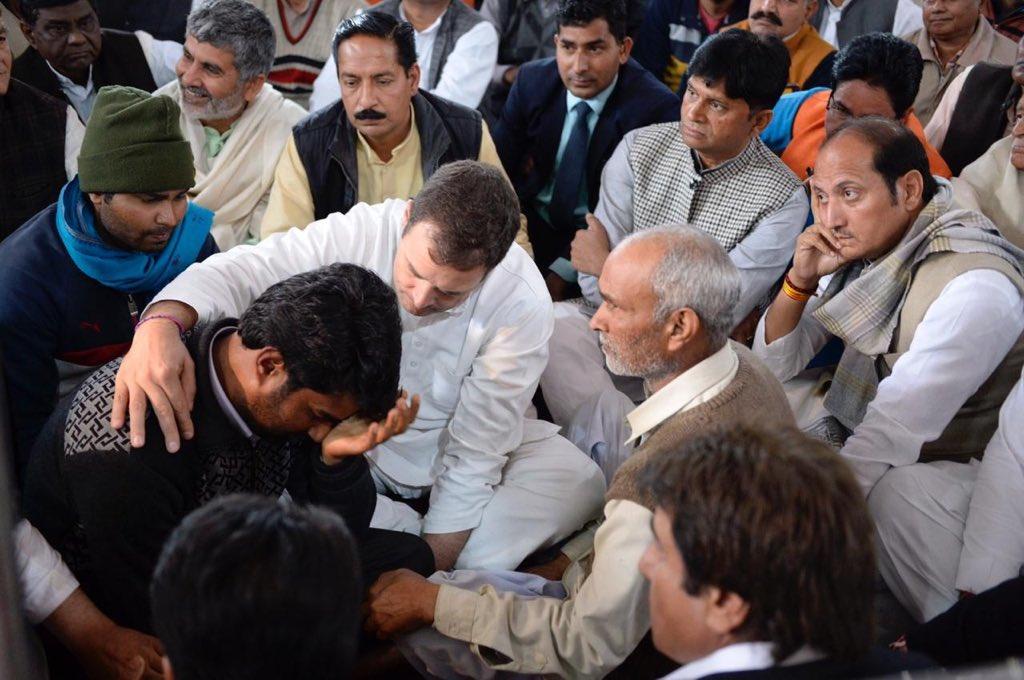 चित्र बोलते है  पसन्द अपना अपना कोई सुल्तान संग अठ्ठाहास लगाता है कोई शहीद के परिजन संग दर्द बाटता है