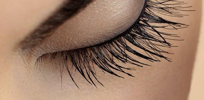Natural Remedies to Get Longer and Fuller Eyelashes  Try them! http://bit.ly/DB-flreyelshs  #beauty #natural #eyelashextensions
