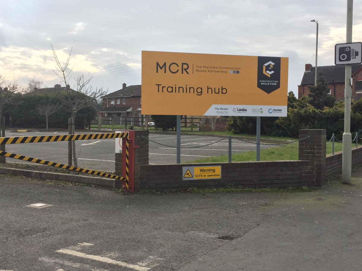 Excited to see our Training Hub signage go up this week #Telford #Trench #marcheshour #constructionskillsfund #freetraining<br>http://pic.twitter.com/09gYYNXGRg