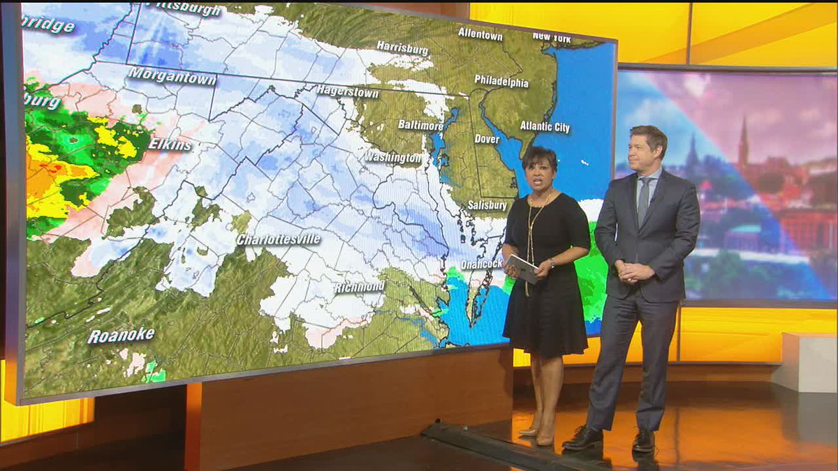 WATCH LIVE snow coverage from FOX 5!  #fox5snowday https://t.co/TbMdqHQIX4