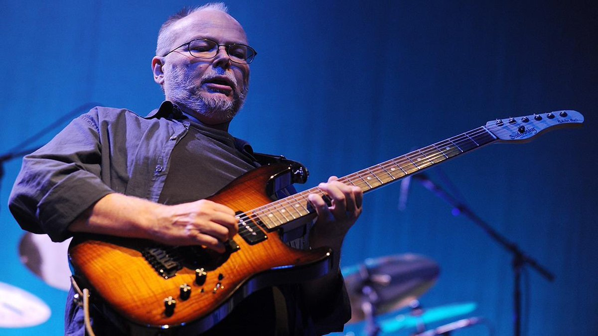 20th February 1950, Born on this day, Walter Becker, bass, guitar, vocals, songwriter with American group Steely Dan who had the 1973 US No.11 single &#39;Reeling In The Years&#39; and nine other US Top 30 hits. Steely Dan&#39;s &#39;Two Against Nature&#39; won a Grammy in 2001 for Album of the year <br>http://pic.twitter.com/QqXvK85TDH