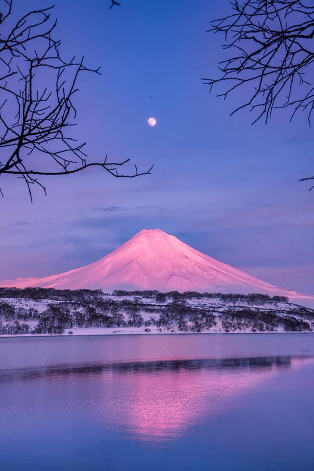 The biggest and brightest moon of 2019 pictured at the Kronotsky Nature Reserve in Kamchatka @kronoki by Alexander Maslov