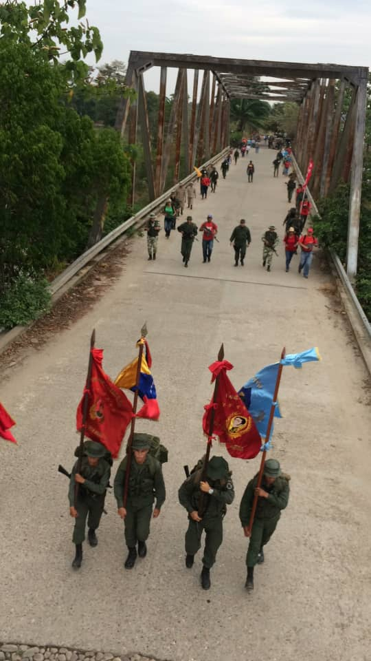 Maduro: Si algo me pasa, ¡retomen el poder y hagan una revolución más radical! - Página 8 Dz3B4LsX0AUUg7D