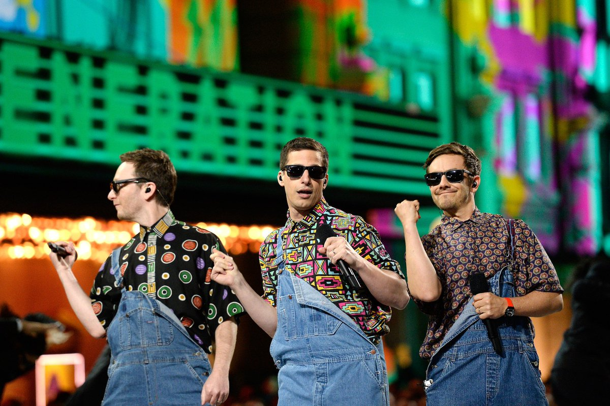 .@TheLonelyIsland announce first-ever tour gum.to/3hmWF3