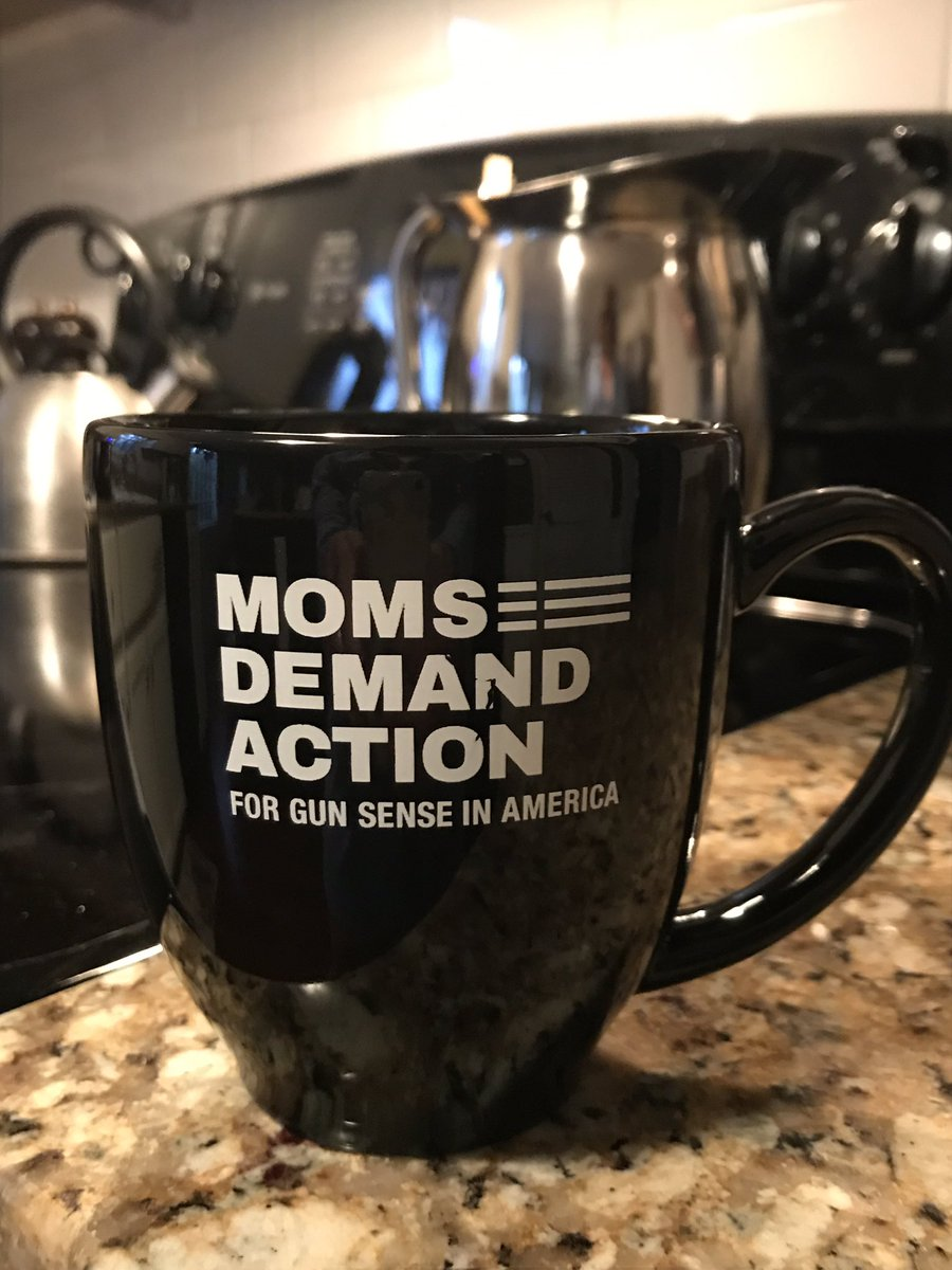 Today is Georgia Moms Demand Advocacy Day! Getting motivated to talk to the Georgia Legislation to reduce gun violence! #gapol #expectus @MomsDemand