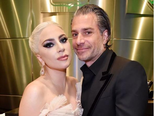 Lady Gaga e Christian Carino si sono lasciati, sfu...